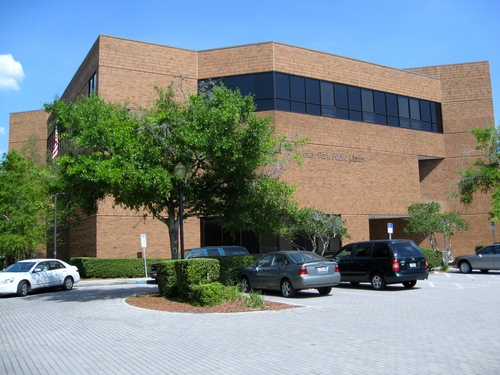 The Winter Park Public Library was founded in 1885 and moved into the current building in 1976.