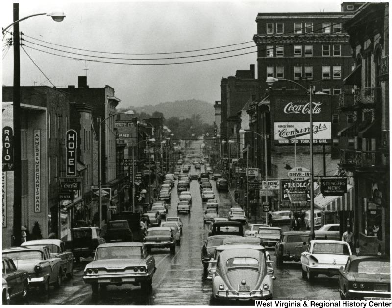 High Street 1965. (Comuntzis' Uptown)