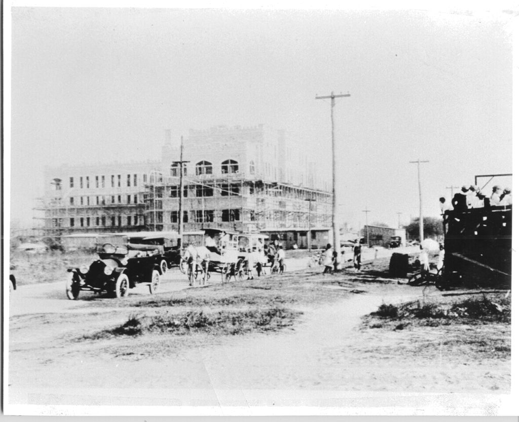 Hospital under construction in either 1914 or 1915