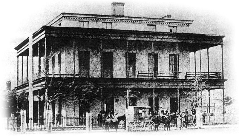 The original Customs House and Post Office building before the third floor balcony was added. Photo believed taken between 1850s-1860s. No one mourned the building's loss in the 1880 fire.