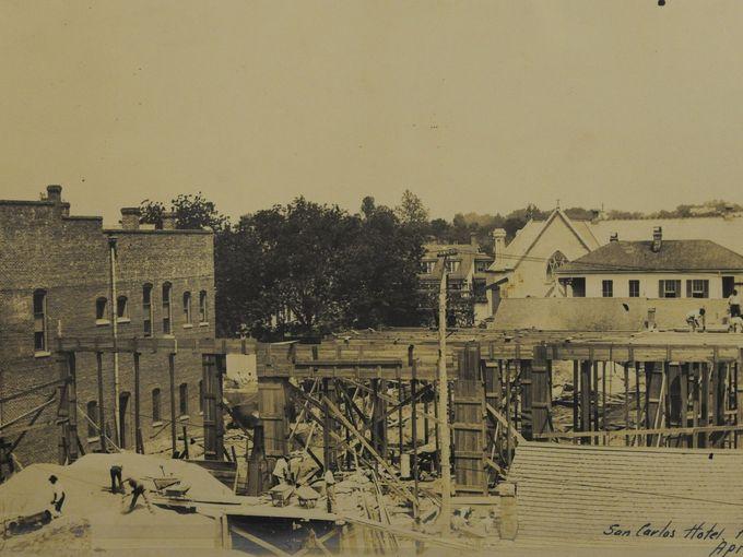 Construction as building rises