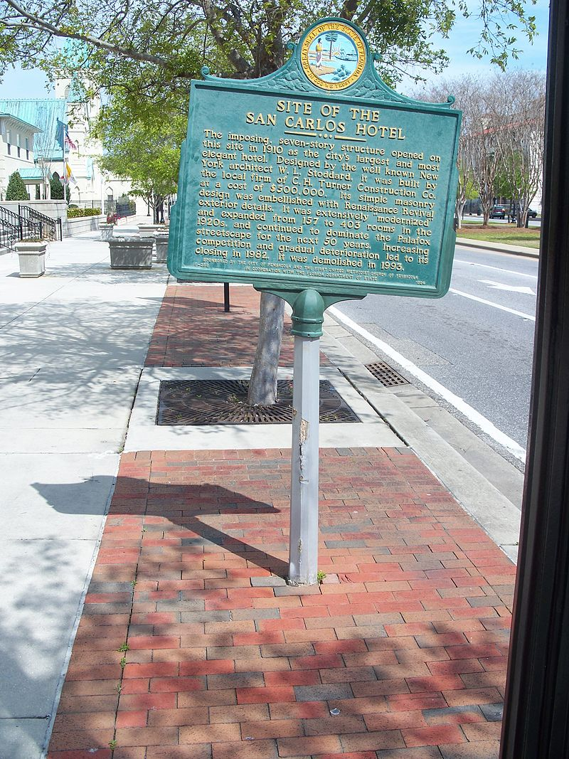 Marker commemorating the hotel