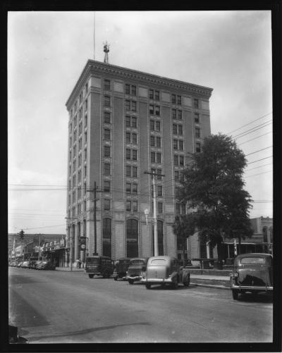 1937 photo of the building. Courtesy of University Archives and West Florida History Center, UWF Libraries, Pensacola, Cottrell/Pfeiffer Collection.