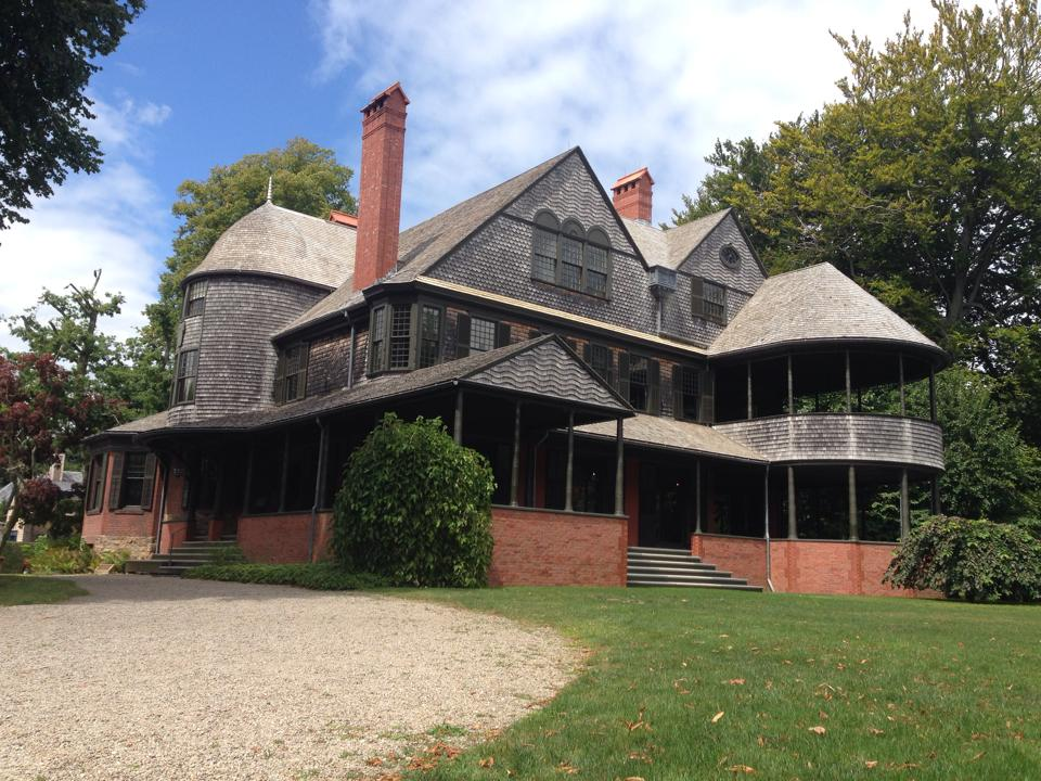 Exterior of the Isaac Bell House