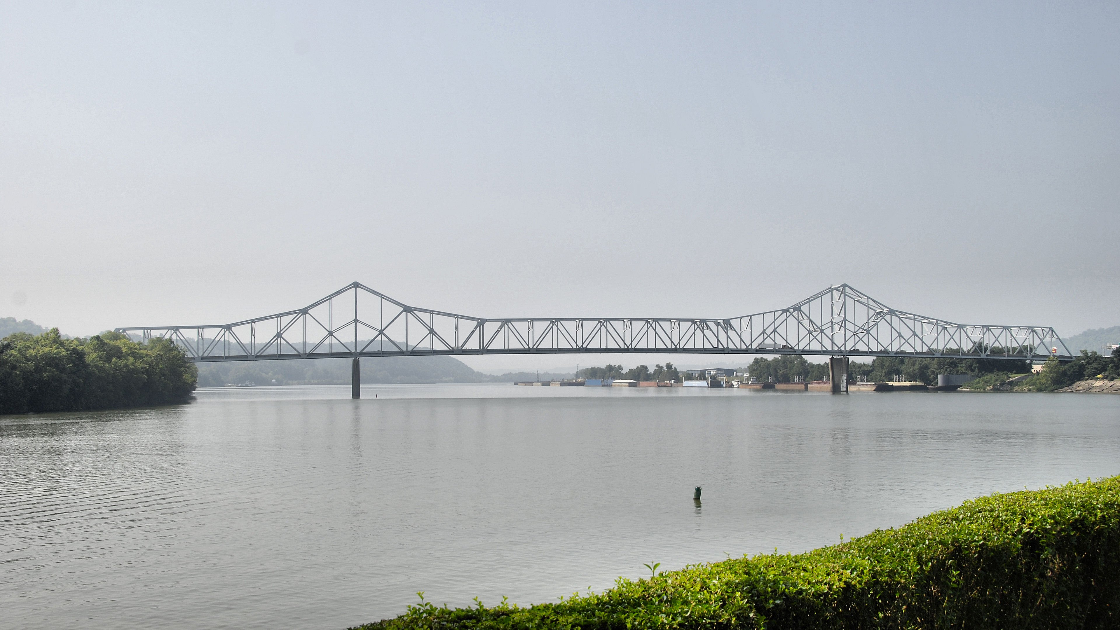 The Silver Memorial Bridge was built as a replacement in 1969.