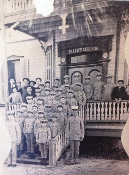 Old photo of one of the classes that attended Saint Leo University