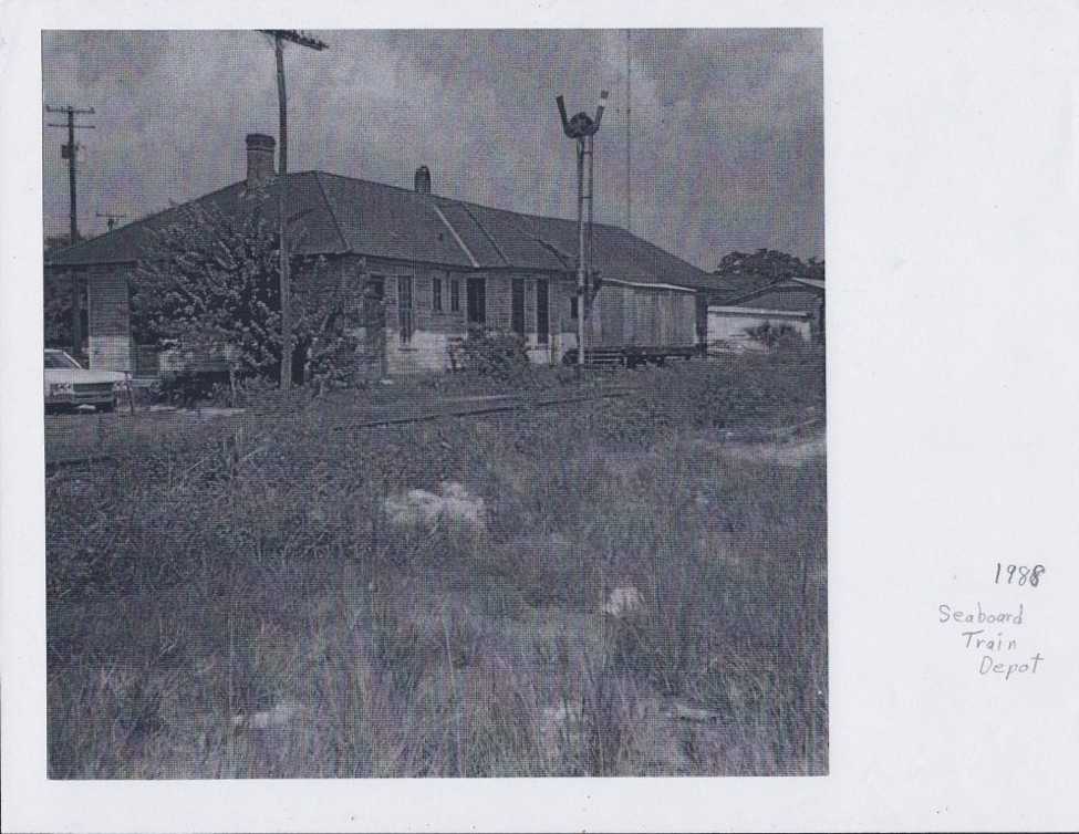 An older photo of the Apopka Seaboard Air Line Railway Depot