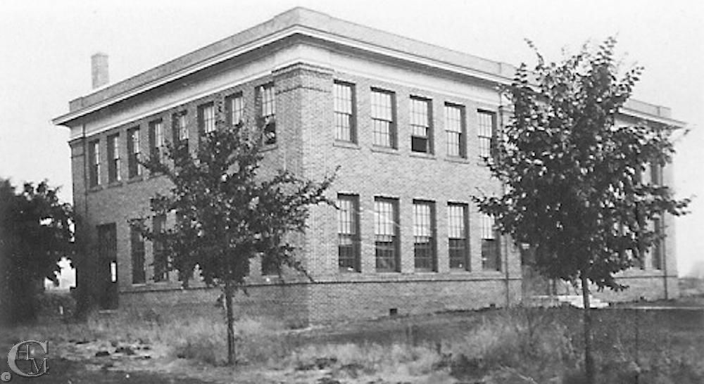 1916 Manual Arts building