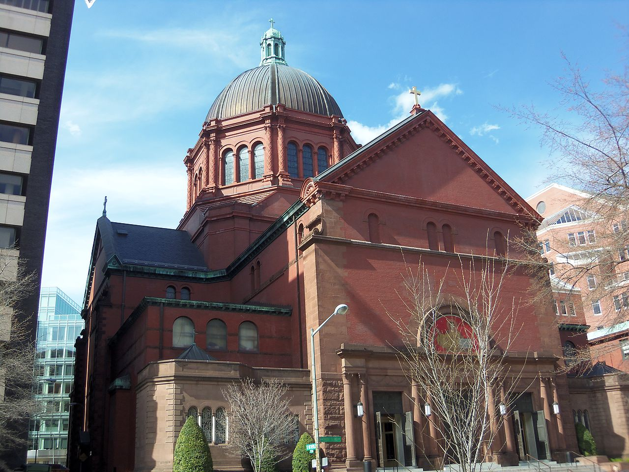 Cathedral of St. Matthew the Apostle, Washington, D.C. Image by Farragutful - Own work, CC BY-SA 3.0, https://commons.wikimedia.org/w/index.php?curid=25498152