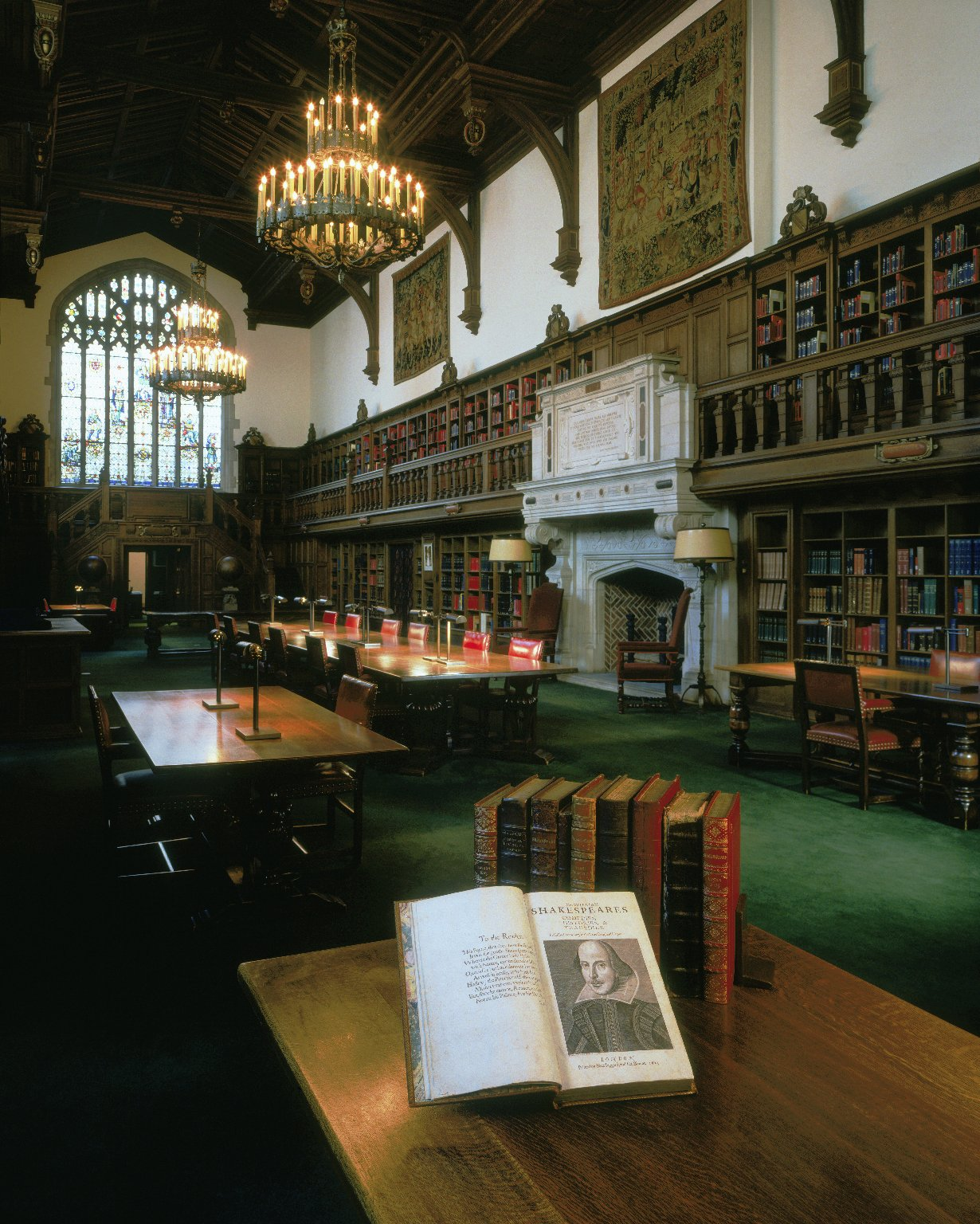 Gail Kern Paster Reading Room. Image by Julie Ainsworth - Folger Shakespeare Library Digital Image Collection http://luna.folger.edu/luna/servlet/s/1c207f, CC BY-SA 4.0, https://commons.wikimedia.org/w/index.php?curid=41900742