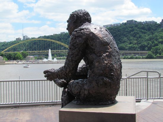 Mr. Rogers Memorial with the fountain at the Point and Ft. Pitt Bridge in the background.