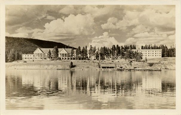 Lake Hotel in 1938. During WW1 and WW2 it closed as workers went to war and in order to protect the area from saboteurs