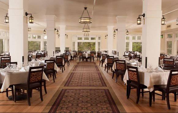 Lake Hotel Dinning Room