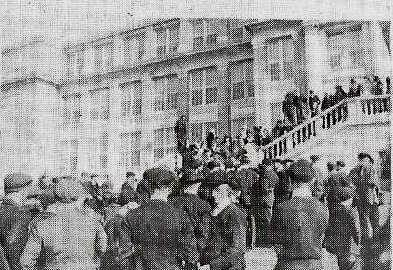 Students at a HHS pep rally in 1919