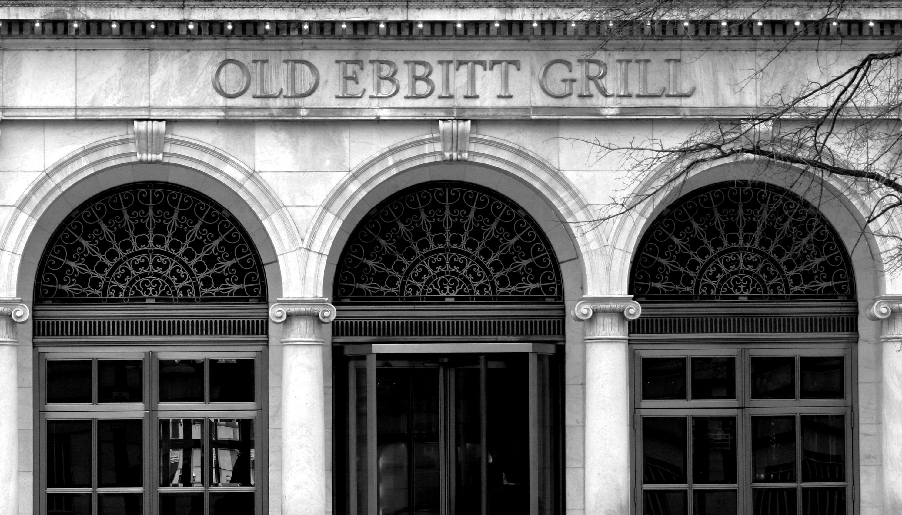 Signage above the front door to Old Ebbitt Grill. Image by dbking - Old Ebbitt Grill, CC BY 2.0, https://commons.wikimedia.org/w/index.php?curid=2895146