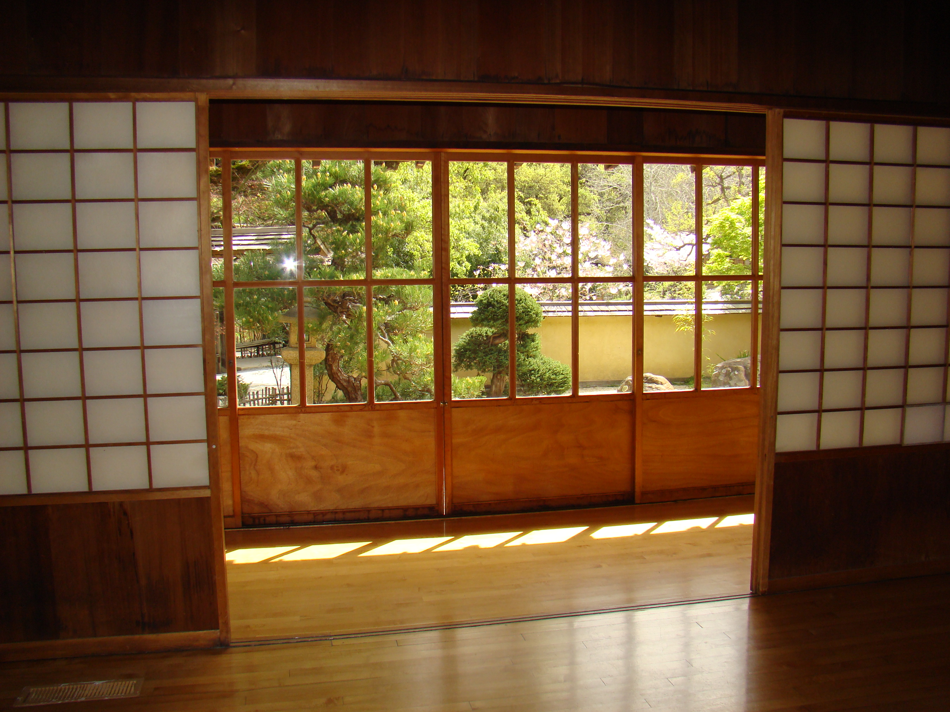 Lower House interior (image from Hakone Estate & Gardens)