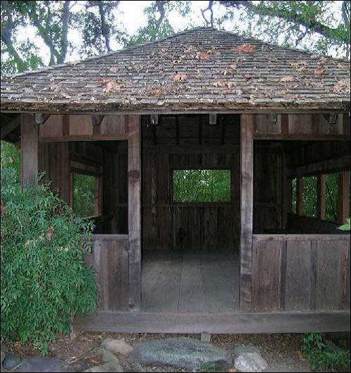 Tea Waiting Pavilion (image from National Register of Historic Places)