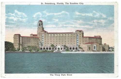 Postcard of the hotel circa 1940.