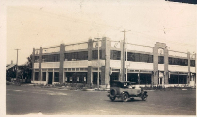 Home to the 4th-largest Studebaker dealership in 1925, this building was home to an A&P grocery store during the Great Depression.