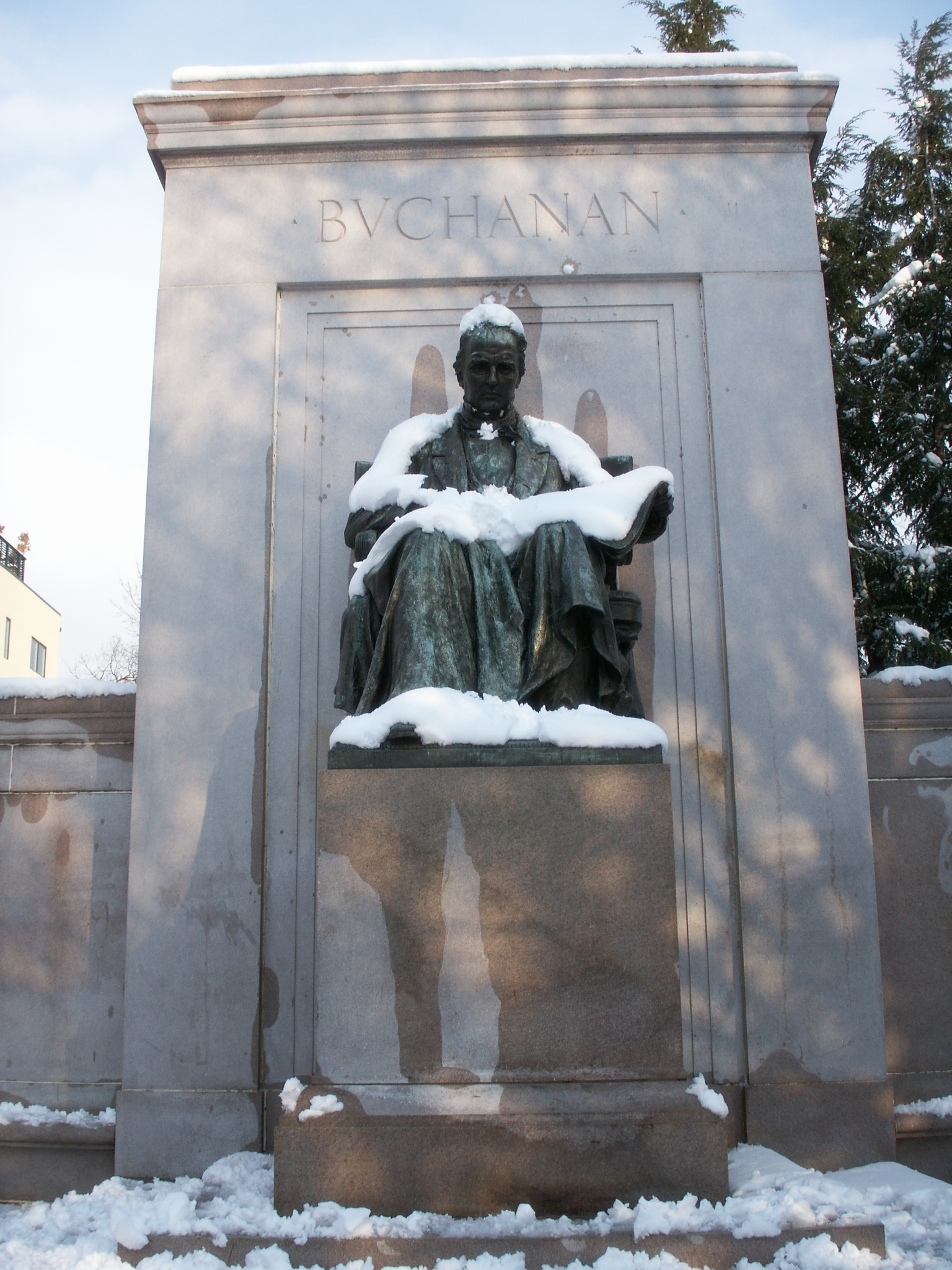 James Buchanan Memorial in Meridian Hill Park. Image by Daquella manera, CC BY 2.0, https://commons.wikimedia.org/w/index.php?curid=16116061