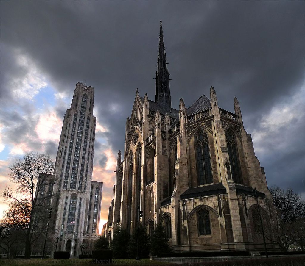 The chapel with the Cathedral of Learning looming overhead.