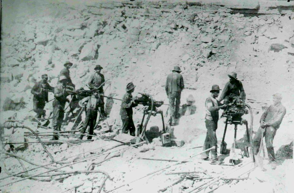 Building the Canal (Photo Credit: Will Country Museum, via Facebook)