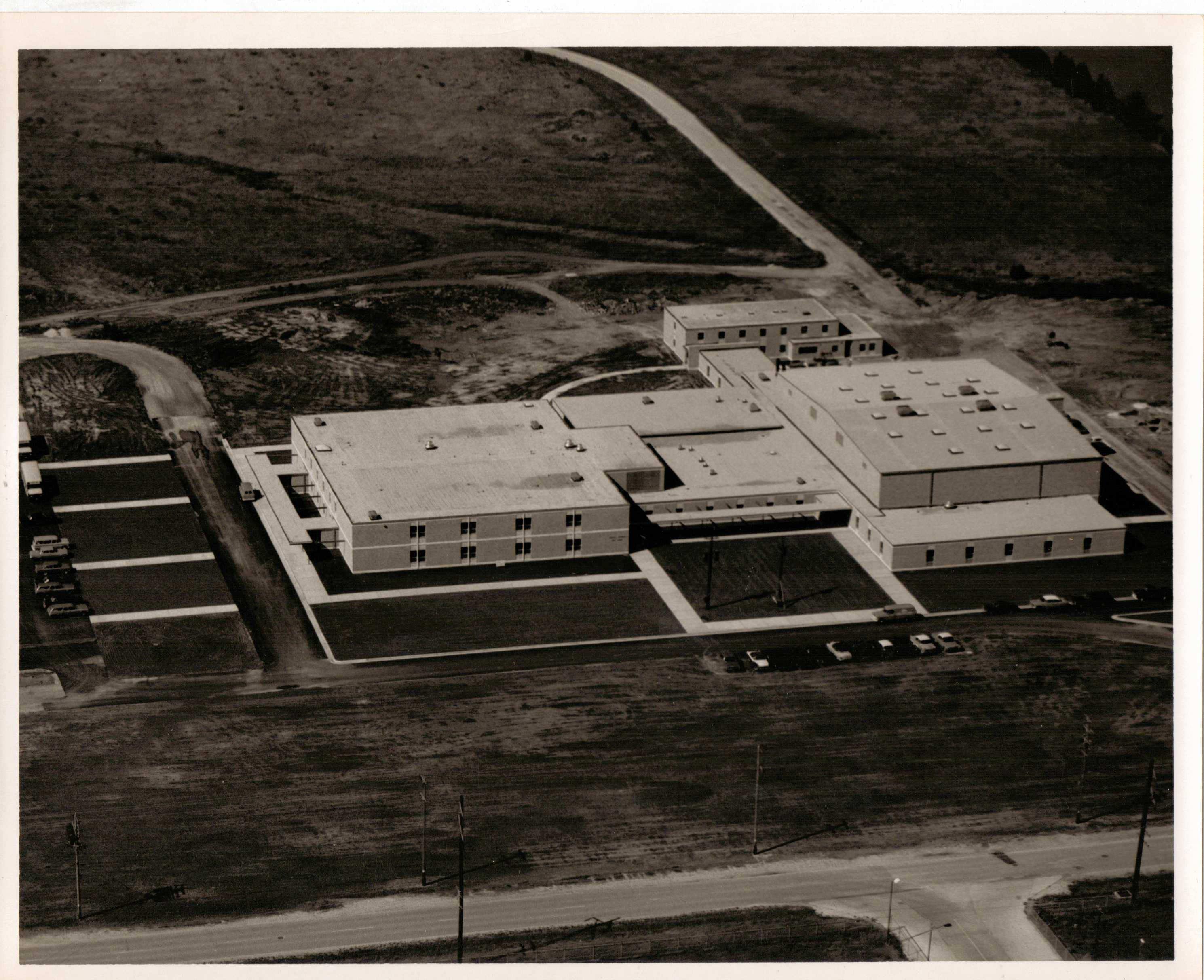 Roncalli construction completed. 1966