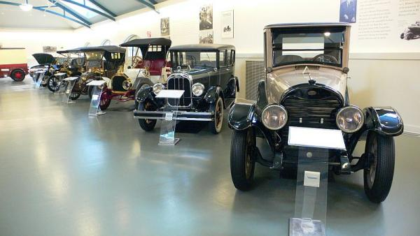 Classic cars within the Car and Carriage Museum.