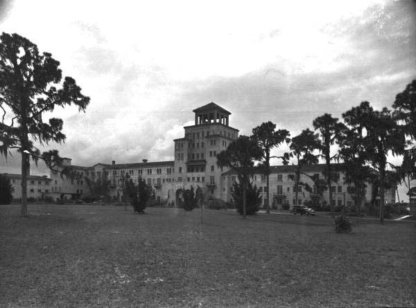 This is a closer up picture of Harder Hall, Sebring.