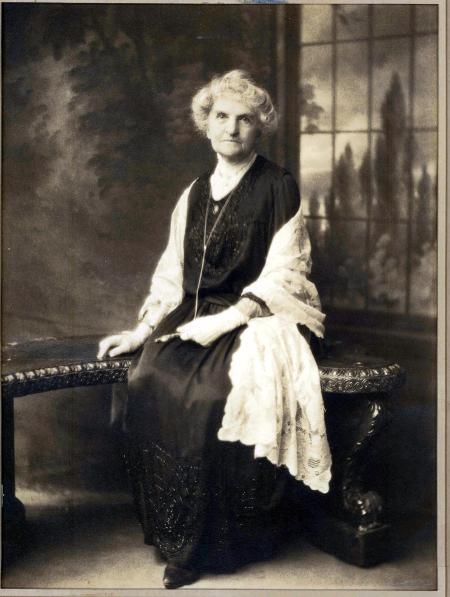 E.E. Moffitt