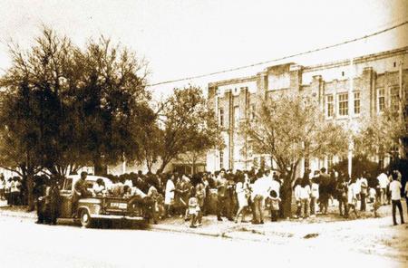 500 Chicano students boycott Crystal City High School