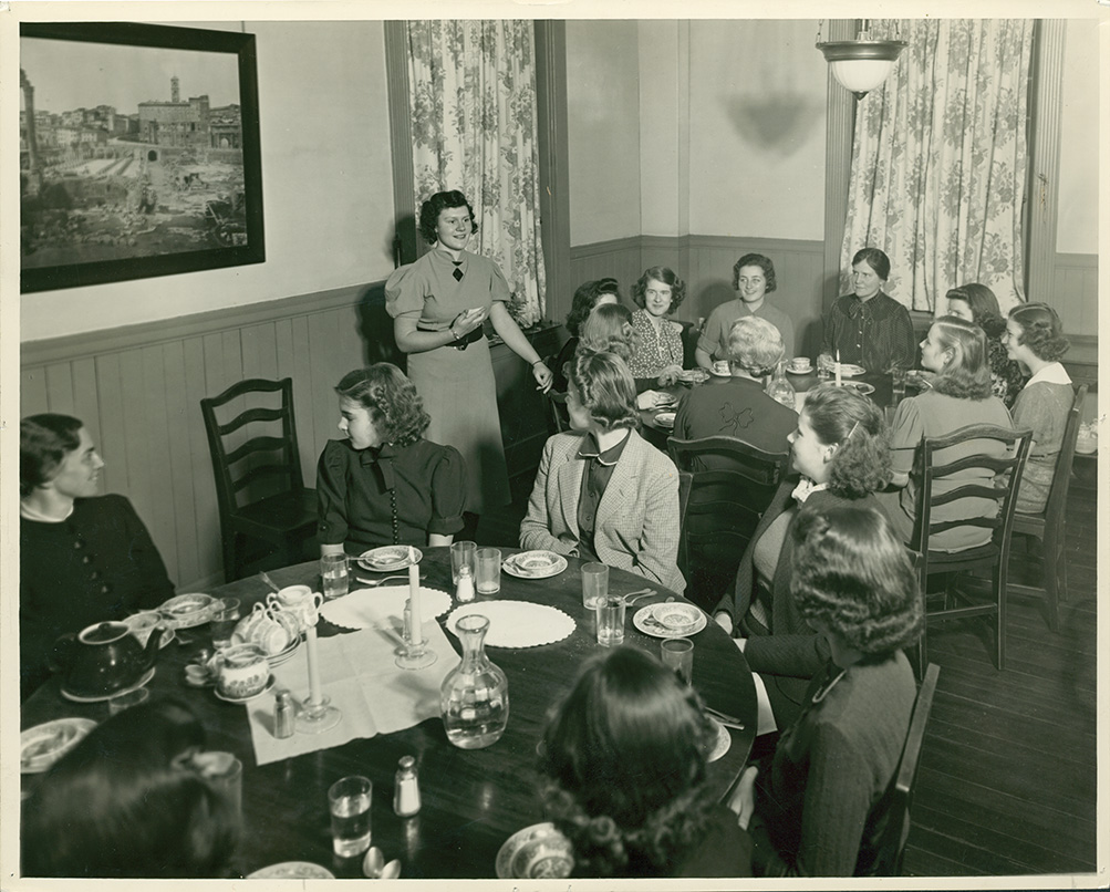 Draper Hall, dining room, 1941-1942. Photography by Dorothy Jarvis.