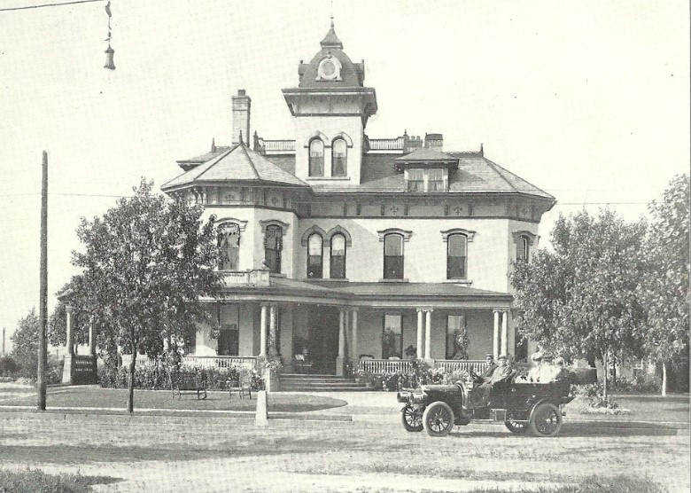An early 20th century photograph of the Reeves home.