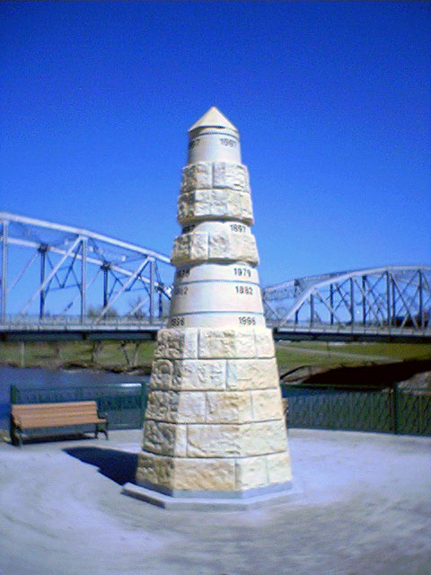 Obelisk in Grand Forks commemorating the 1997 flood and other past floods