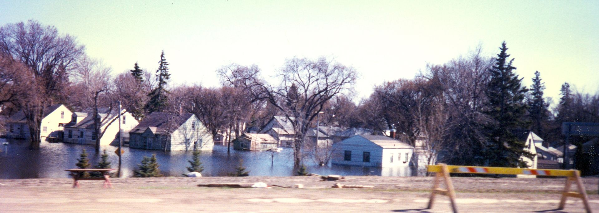 A residential neighborhood in East Grand Forks (Minnesota) flooded in late April 1997