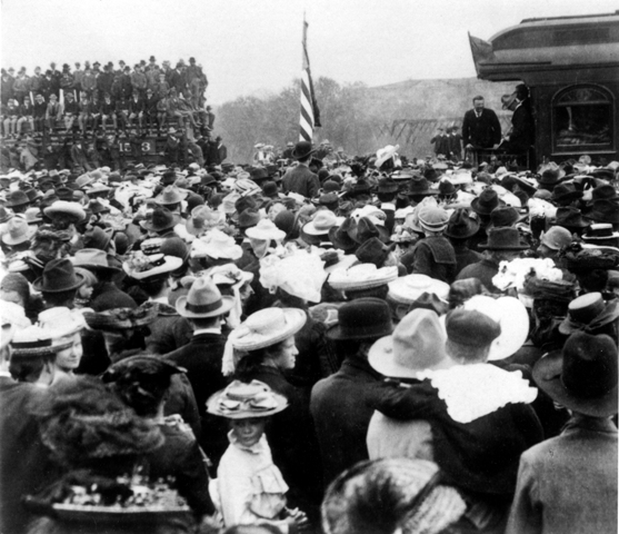 Theodore Roosevelt gives a speech at the site.