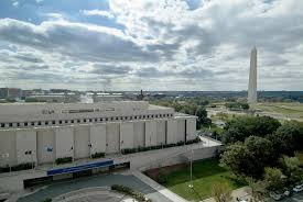 National Museum of American History as seen from Constitution Avenue.
