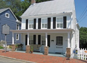 Street view of the front of Patsy Cline Historic House on S. Kent Street.http://www.visitwinchesterva.com/what-to-see-and-do-1/attractions-1/patsy-cline-historic-house
