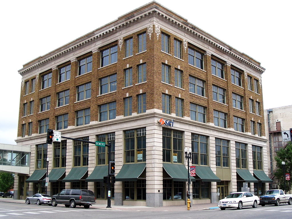 Bank building as of 206