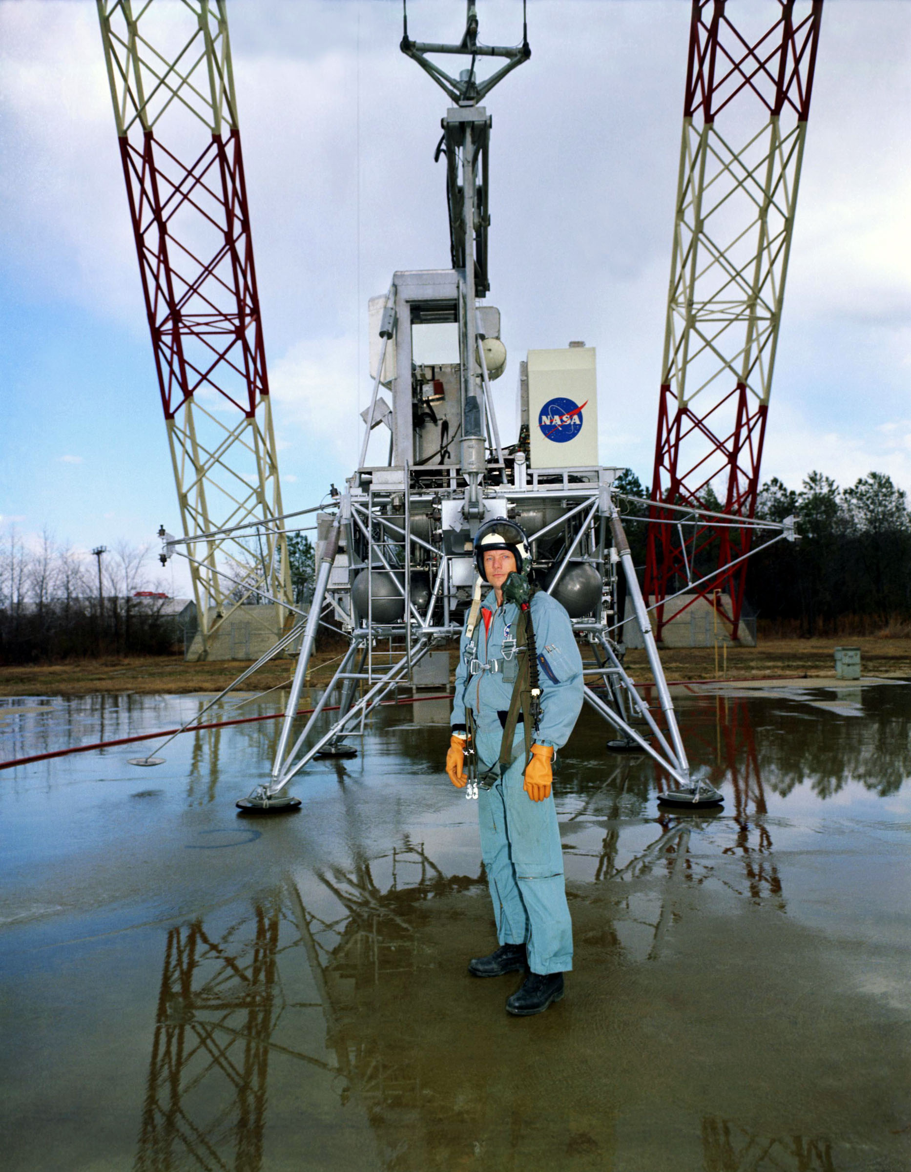12 February 1969. Neil Armstrong poses at the Lunar Landing Research Facility at NASA Langley. Image by NASA - https://www.hq.nasa.gov/alsj/a11/images11.html, Public Domain, https://commons.wikimedia.org/w/index.php?curid=47324021