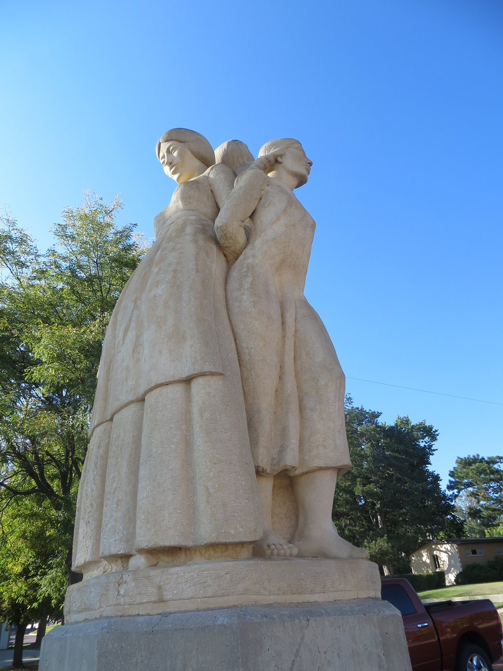 Mother and daughter in Oberlin pioneer statue