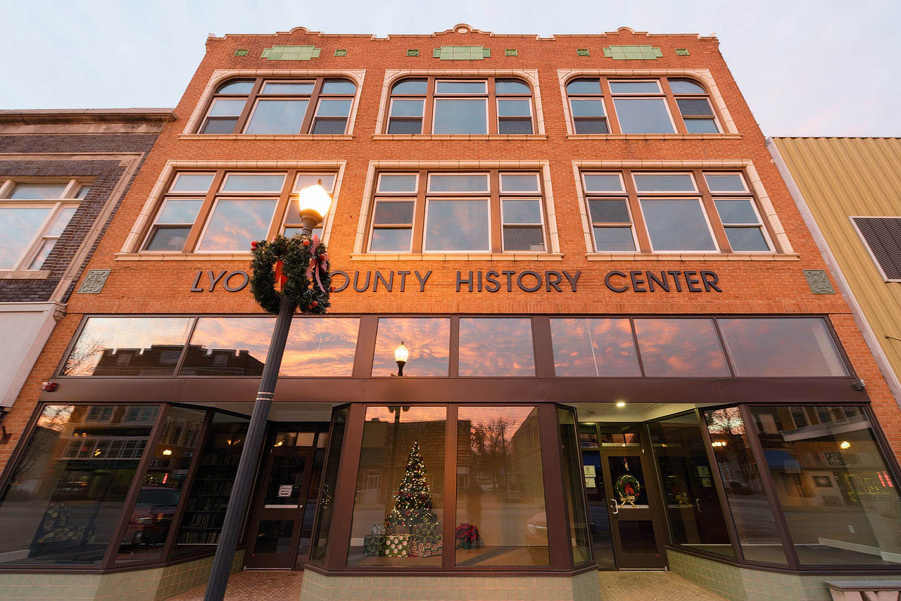 The museum and headquarters are now located in this recently remodeled building in the heart of the city's downtown shopping district.