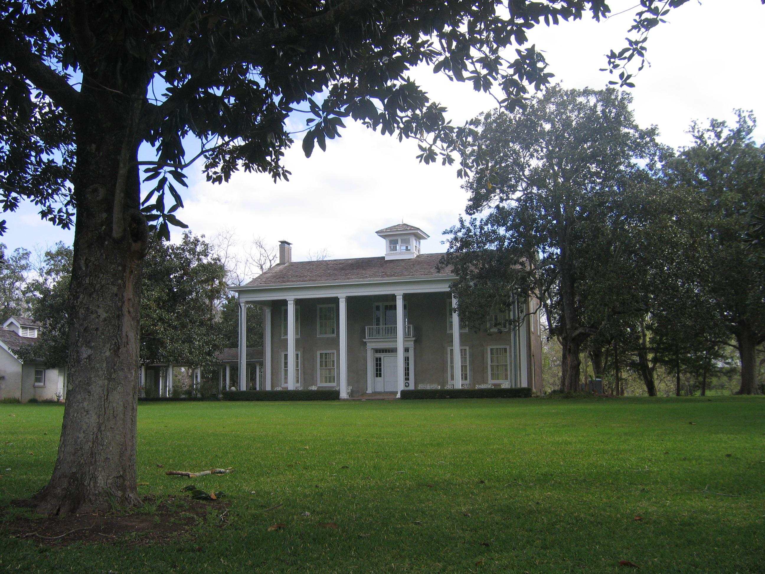 Varner-Hogg Plantation where oil was discovered in 1918 and provided Miss Ima with the money to pursue her philanthropy