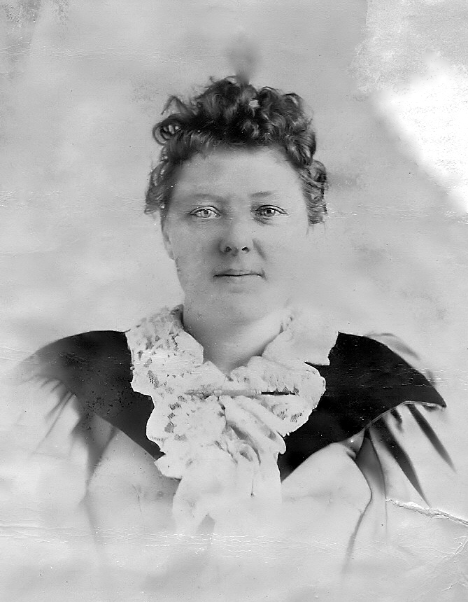 Emma Daugherty Banister circa 1894
