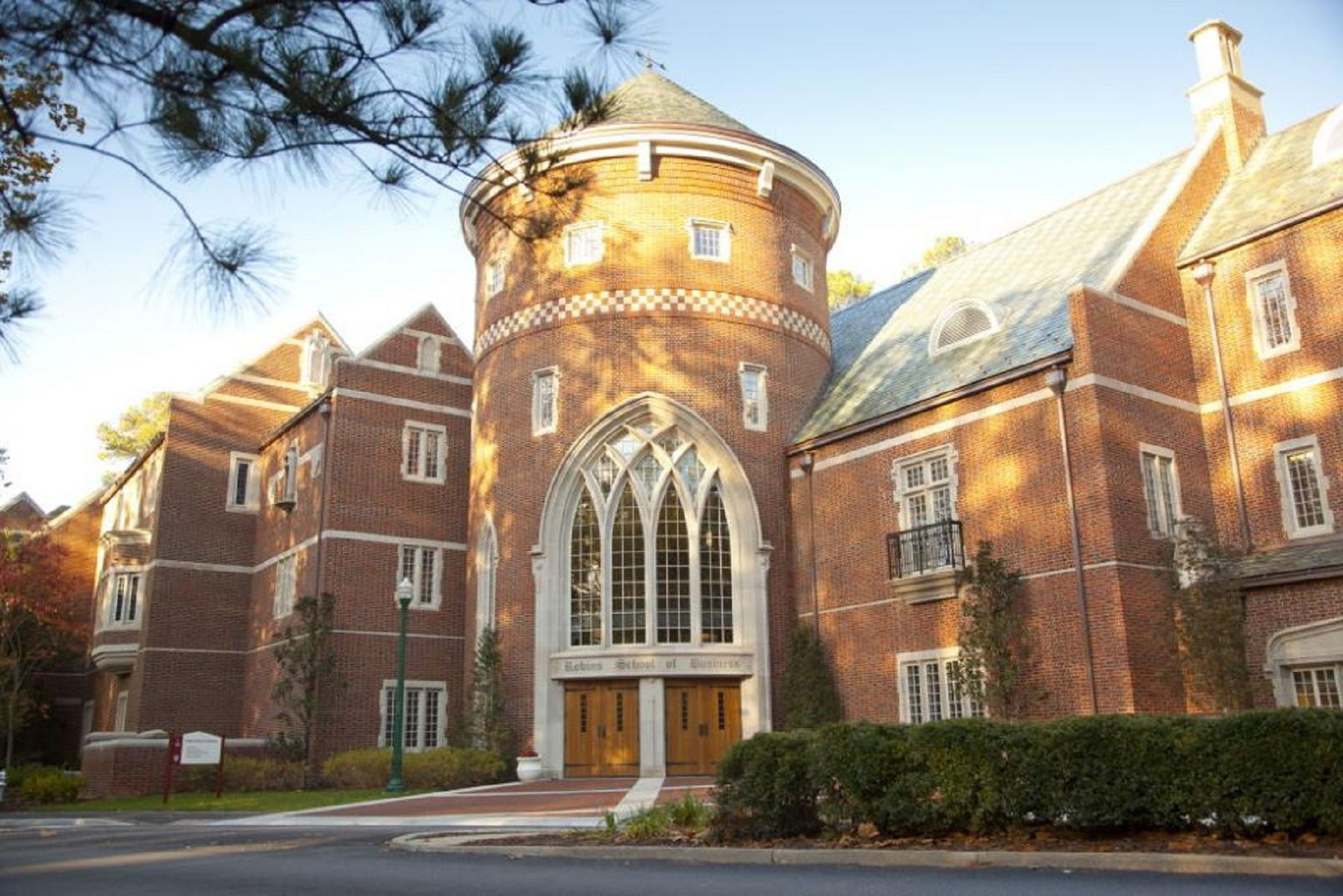 E. Claiborne Robins School of Business