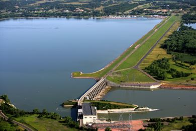 Aerial view of Gavin Point Dam