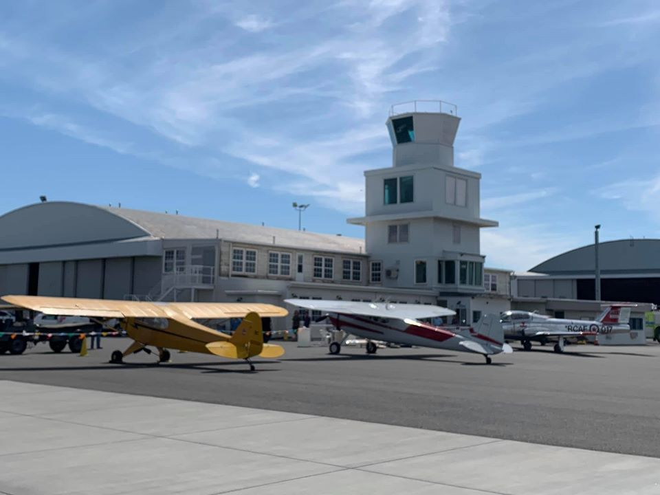 Pasco Aviation Museum promotes aviation history. It is located in the historic NAS Pasco Control Tower, which dates to the early 1940s.