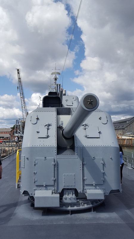 5-inch Guns on the Bow