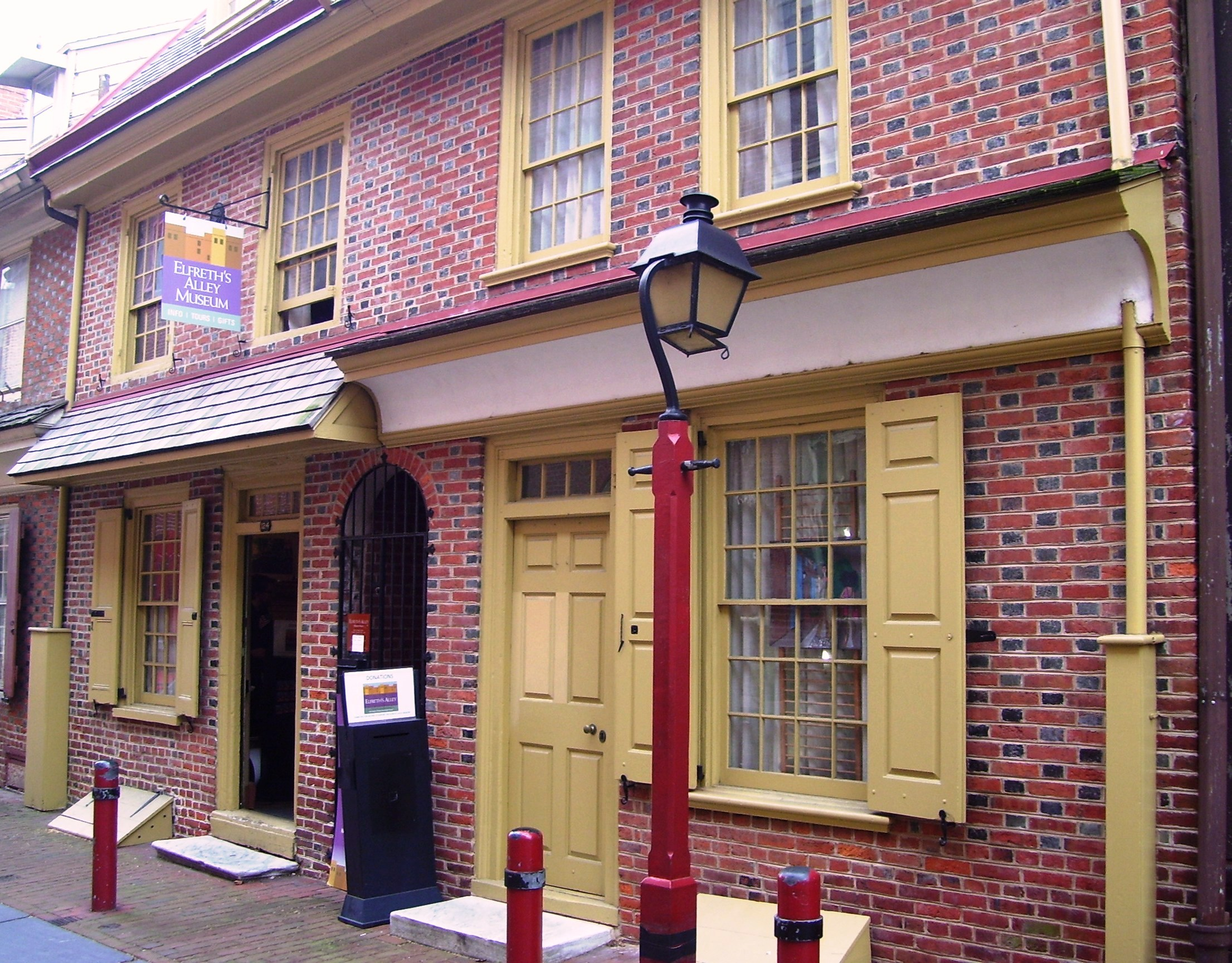 The Elfreth's Alley Musuem.