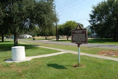 The former water fountain and marker